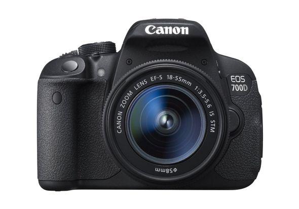 Canon EOS 700D 18-135 IS STM DSLR Camera