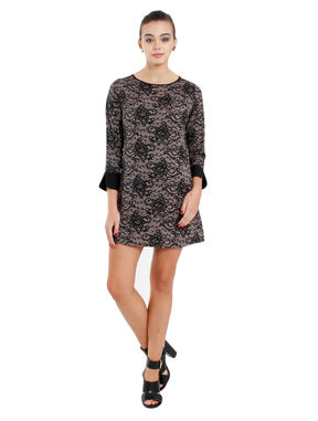 Floral dress in contrast cuff and neck, m, crepe, black