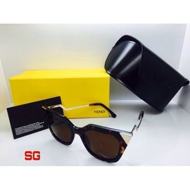 Fendi Cat Eye Sunglasses FND461