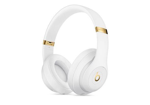Beats Studio3 Wireless Over Ear Headphones, White