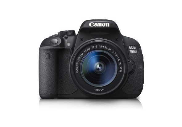 Canon EOS 700D Kit (EF S18-55 IS STM)