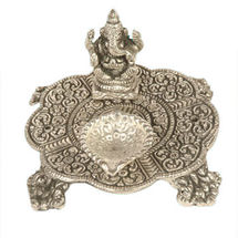 White Metal Ganesh Deepak Chouki, regular