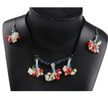 Elegant Plastic Jewel Set