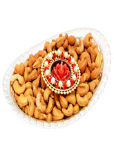 Punjabi Ghasitaram Diwali Hampers Oval Bowl With T Lite And Roasted Cashews