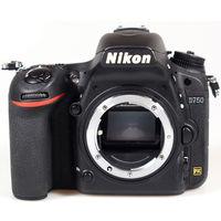 Nikon D750 (DSLR Body)