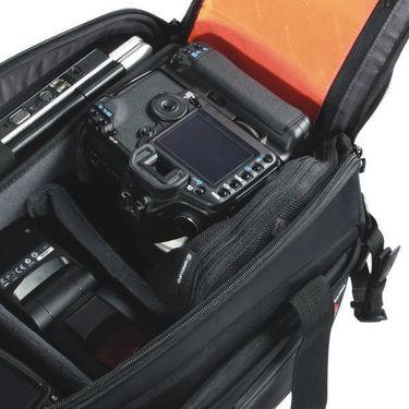 Vanguard Quovio-41 Shoulder Bag - 14  Laptop Compartment
