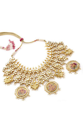 WHITE KUNDAN HEAVY NECKLACE SET