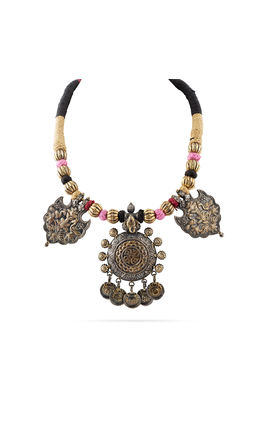 GOLDEN SILVER THREAD AASHNA NECKLACE