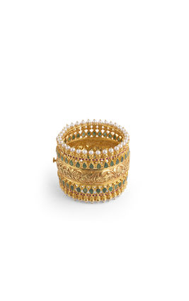 EMERALD & RUBY STONE GOLDEN CARVING BROAD CUFF