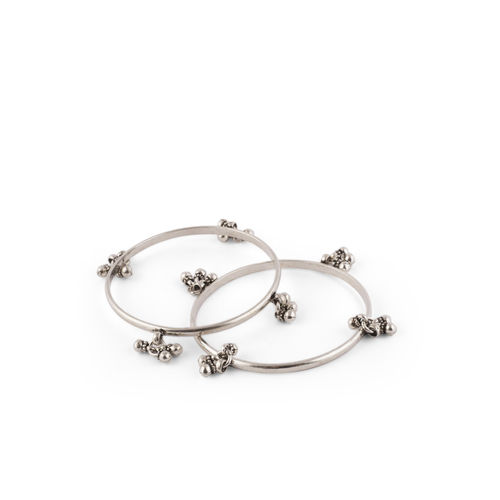SILVER PLAIN BANGLES WITH SILVER HANGING BEADS