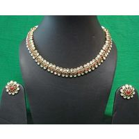 Gorgeous necklace in Red stone and Green Enamel-KNL075