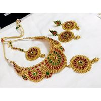 Bridal necklace set with maangtika