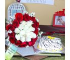 Giftacrossindia Twin Color Roses Bouquet With Vanilla Cake