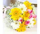 Giftacrossindia Hand Tied Bunch of Yellow and White Gerberas with Pink Roses (GAIMPHD0017)