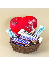 Giftacrossindia Basket Full Of Hershey'S And Snickers With Heart Shape Chocolate Box (GAICOU0453)