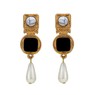 Gold Tone Fashion Danglers With Black Stone
