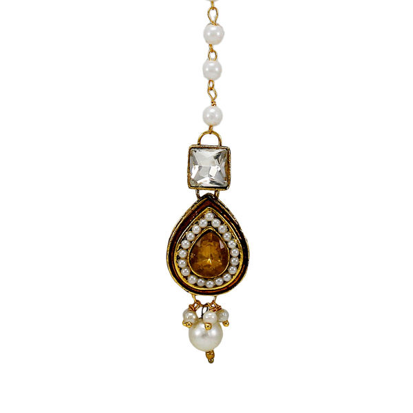 Gold Stone Studded Maang Tikka With Pearl Chain
