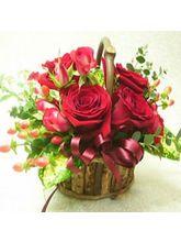 India Gifts Hub 12 Red Roses Basket (IGHFLOW018)