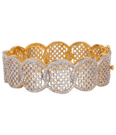 Diamond Studded Scallop Bracelet, silver